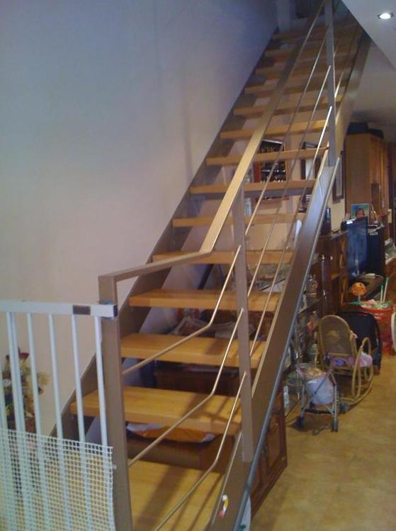 Escaleras de hierro: Catálogo de Carpintería Metálica Alugaval, S.L.