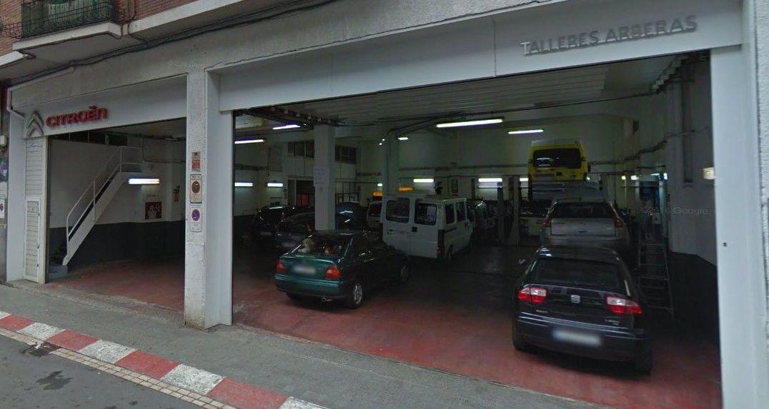 Foto 1 de Talleres de automóviles en Bilbao | Talleres Arberas