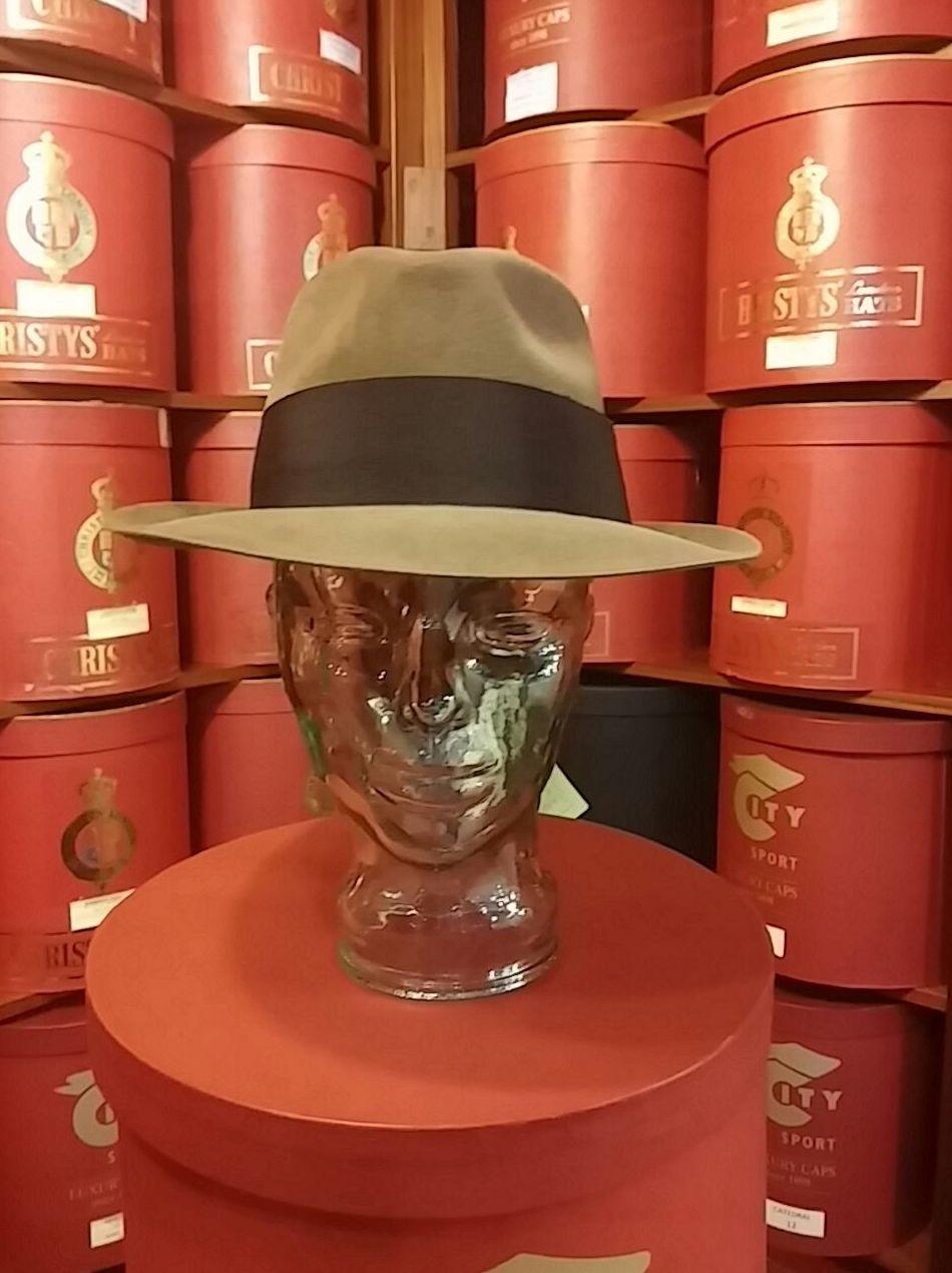 Foto 11 de Sombreros y gorras en Santiago de Compostela | Sombrerería Iglesias