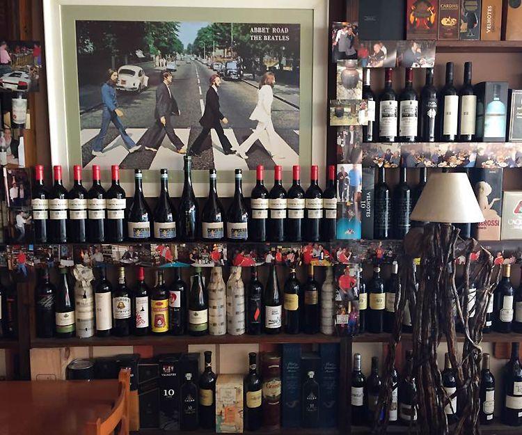 Amplia selección de vinos en Bar O´Picoteo en Vilagarcía de Arousa