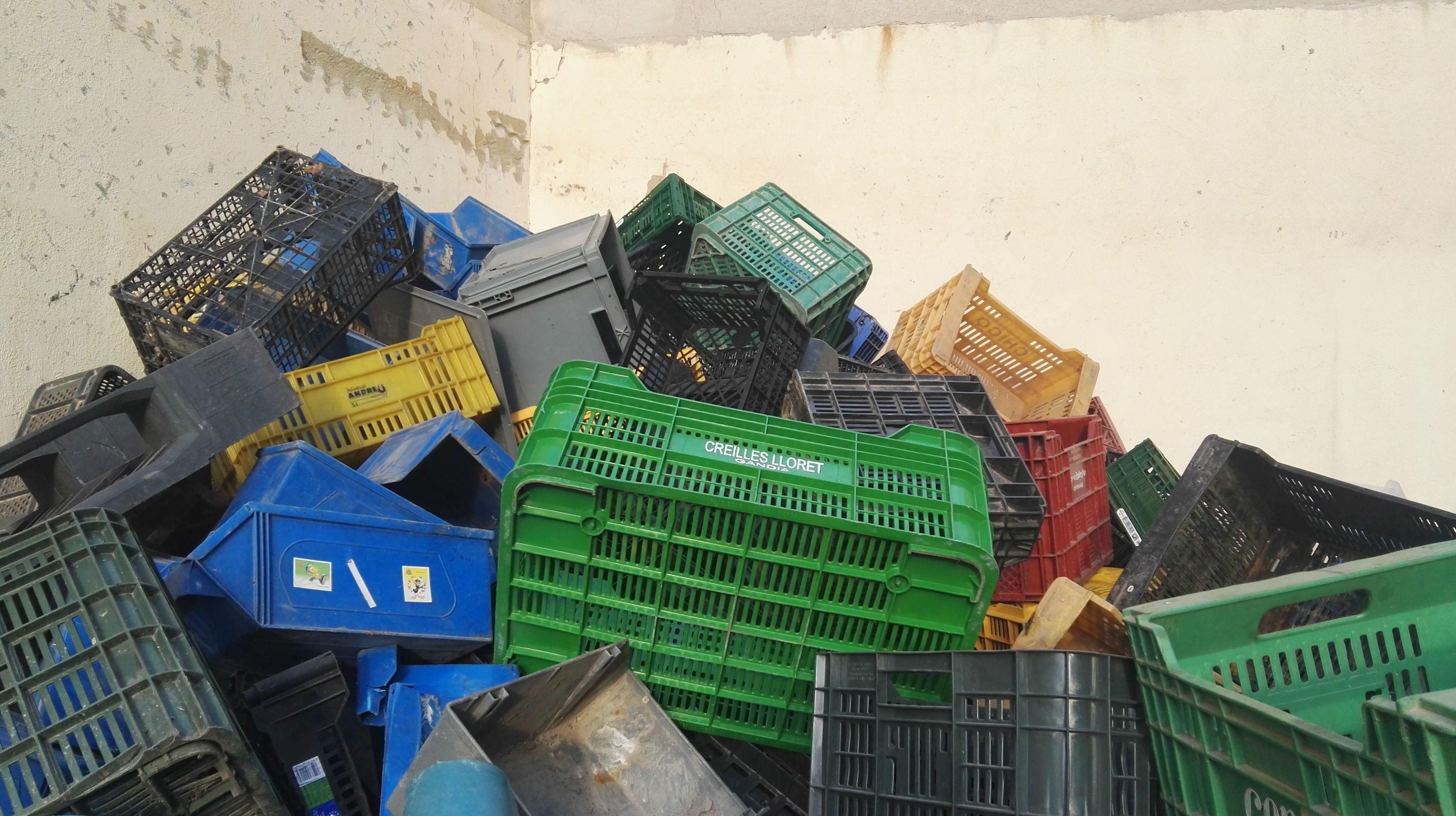 Cajas usadas de plastico