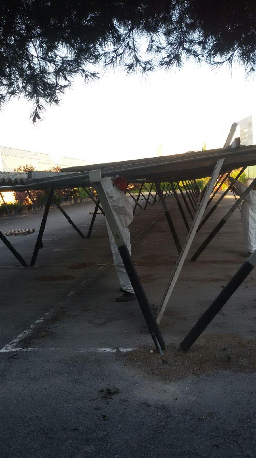 Trabajos con amianto (placas de la antigua Uralita) en un parking de Madrid