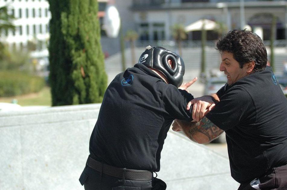 Defensa personal.  Artes marciales en Móstoles