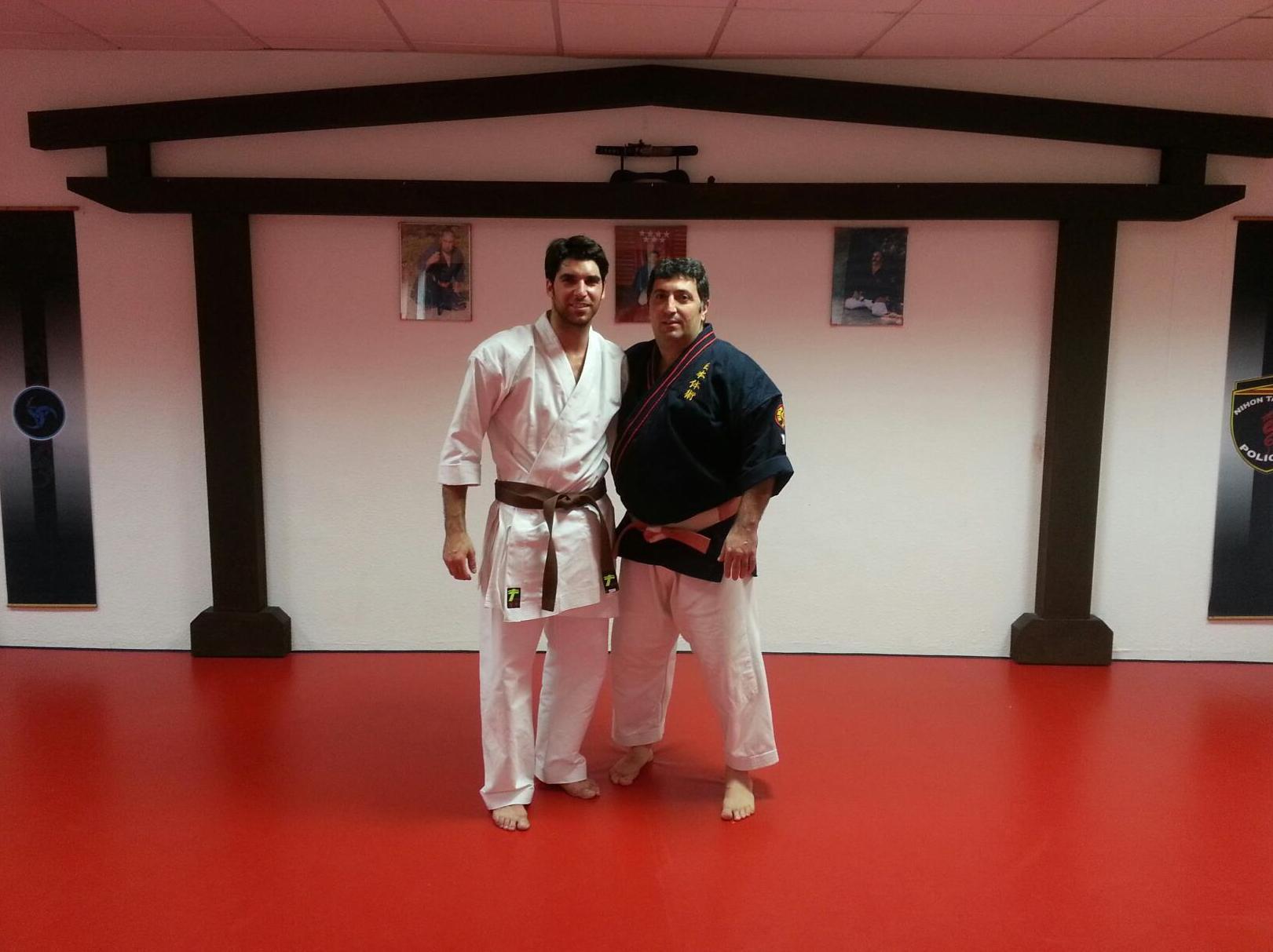 Gimnasio de alta experiencia en combate.  Artes marciales en Móstoles
