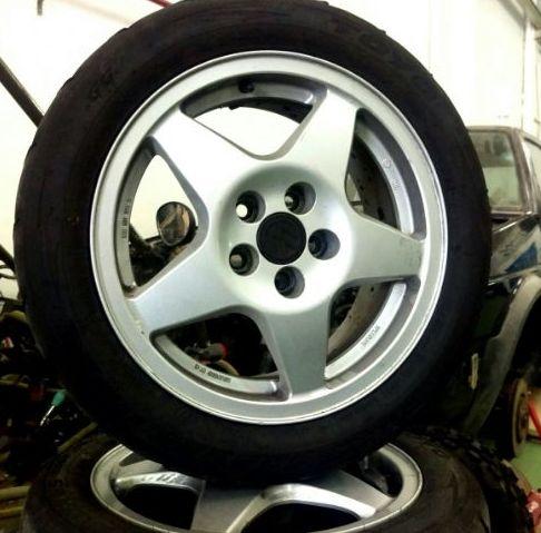 Cambio de neumáticos en Solid Garage Zaragoza