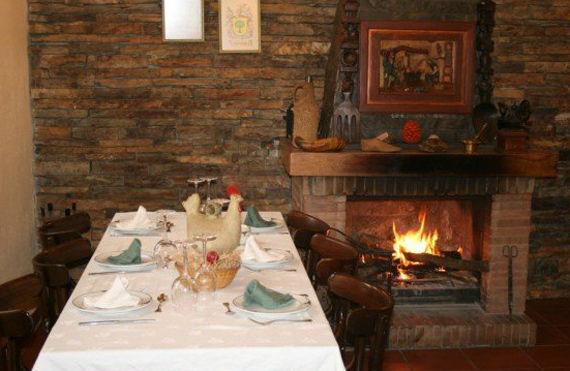 Foto 18 de Restaurantes en RIAZA | Restaurante Asador  El Encinar