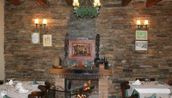 Foto 11 de Restaurantes en RIAZA | Restaurante Asador  El Encinar