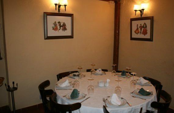 Foto 14 de Restaurantes en RIAZA | Restaurante Asador  El Encinar