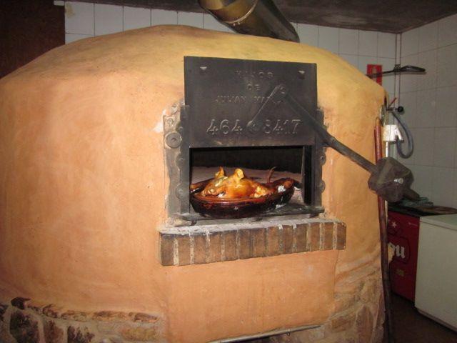 Restaurante con horno de leña para asados