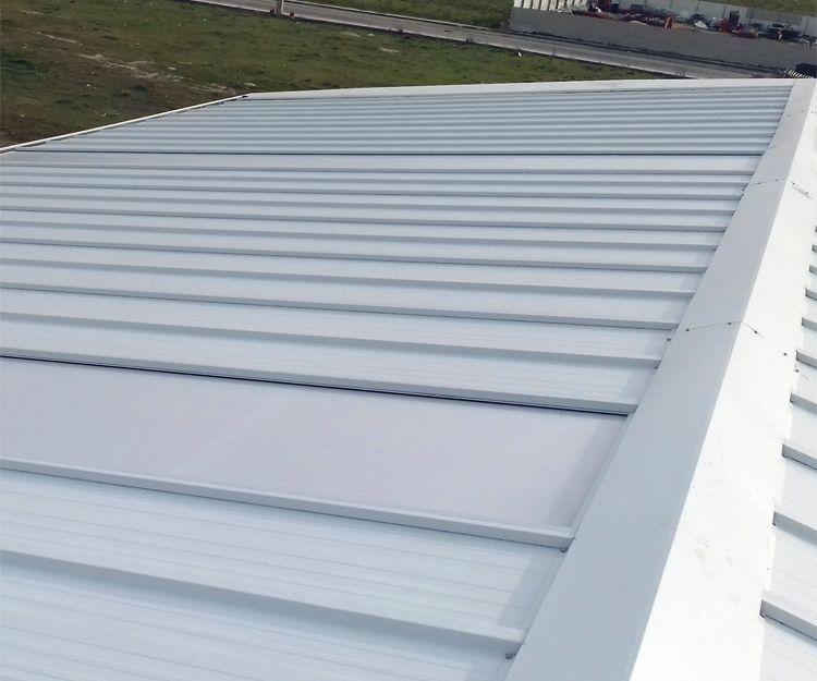 Instalación de cubiertas metálicas