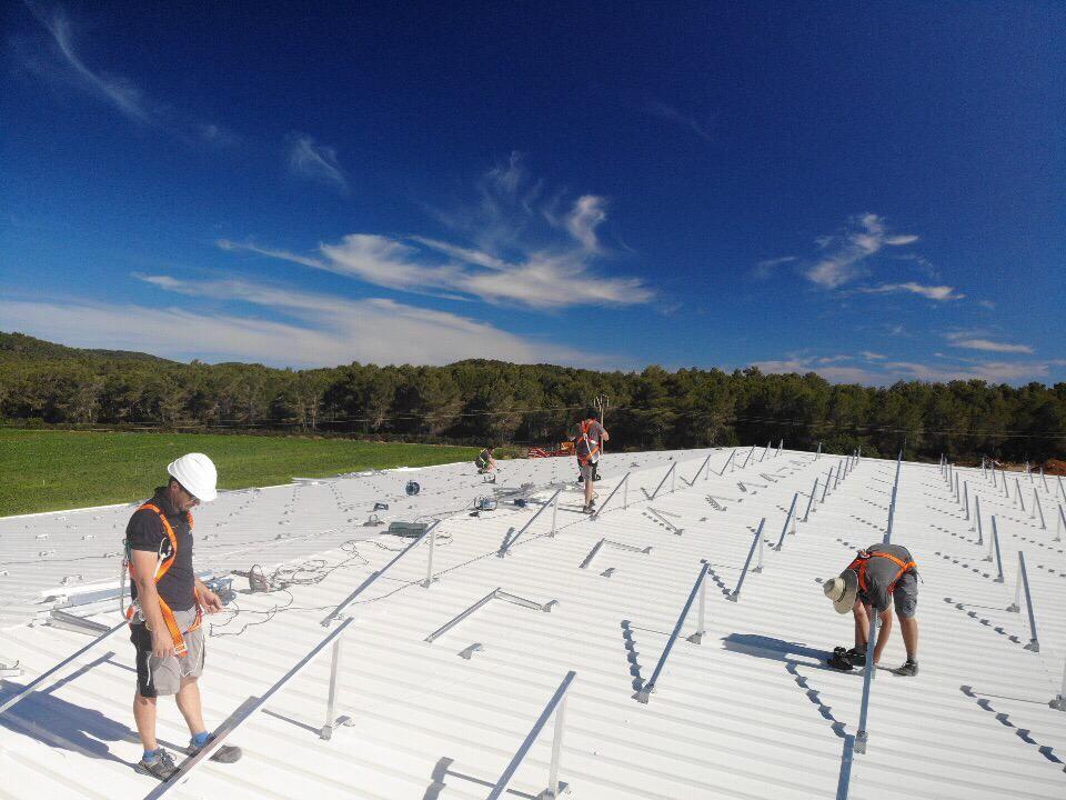Trabajos de instalación solar en Ibiza