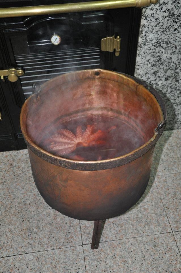 Albergue con gastronomía gallega en Os Ancares