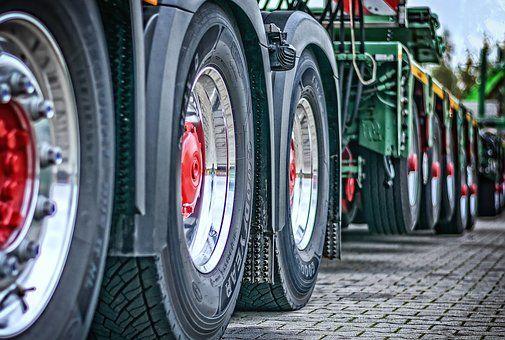 Gran flota de camiones