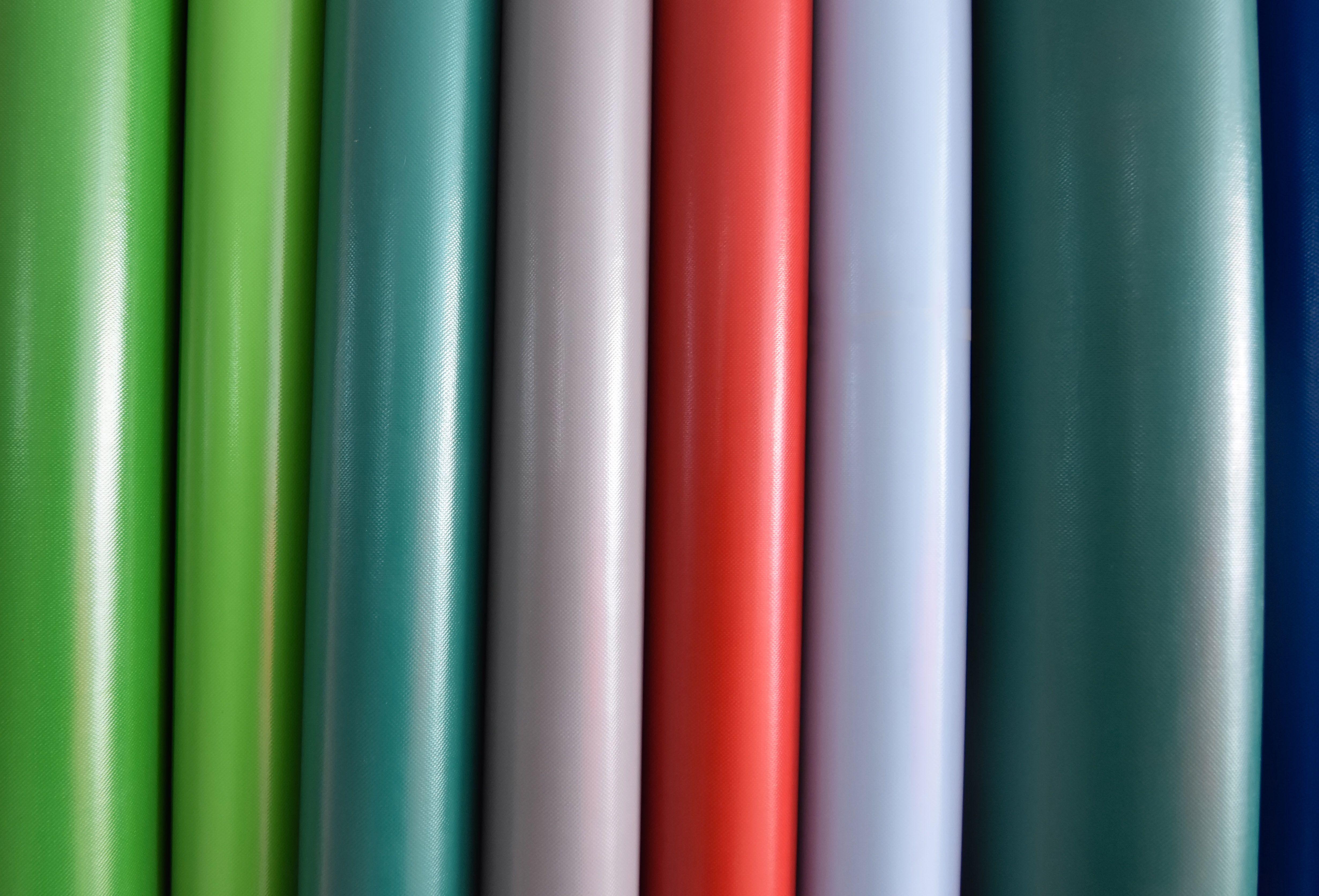Ofrecemos diferentes diseños con variedad de estampados y acabados