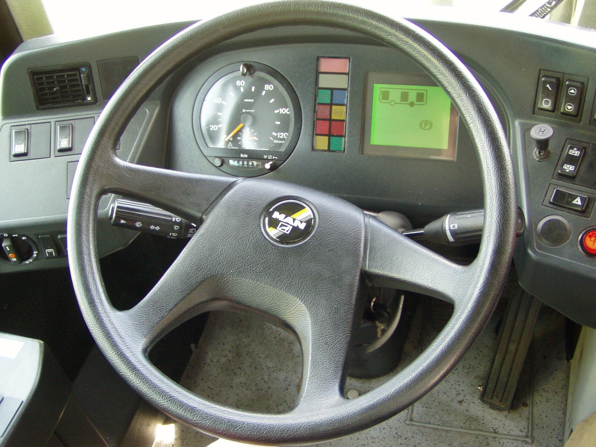 Foto 1 de Autocares en La Seu d'Urgell | Autocars Brugulat