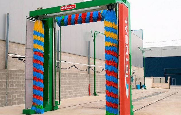 Túnel de lavado de coches y camiones