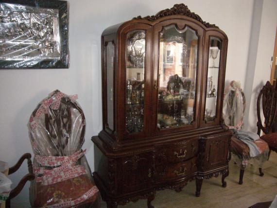 Diversos muebles restaurados