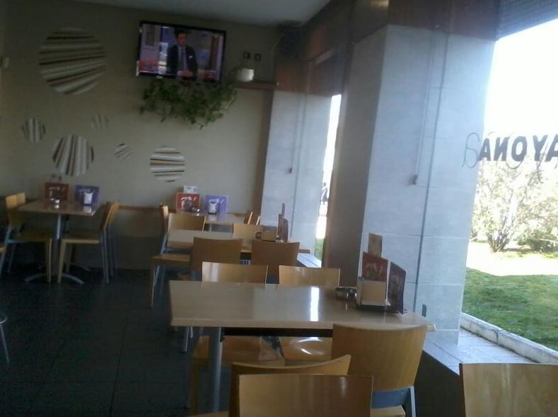 Foto 15 de Cafeterías en Vitoria-Gasteiz | Cafetería Bayona