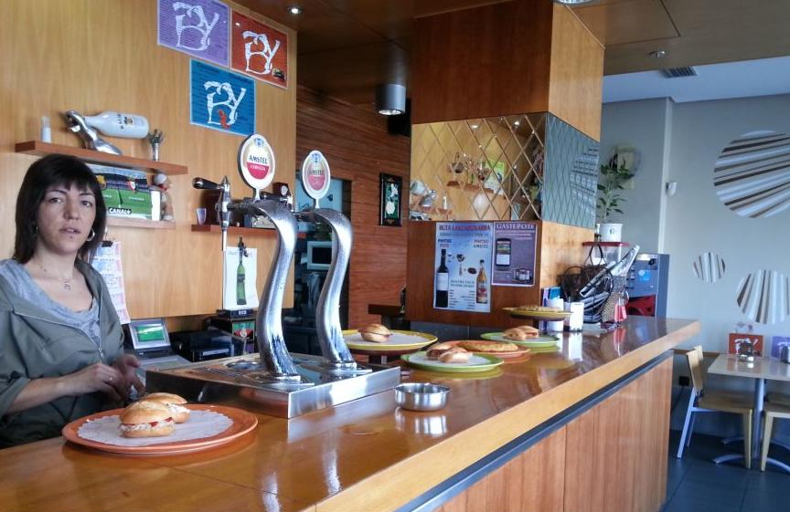 Foto 5 de Cafeterías en Vitoria-Gasteiz | Cafetería Bayona