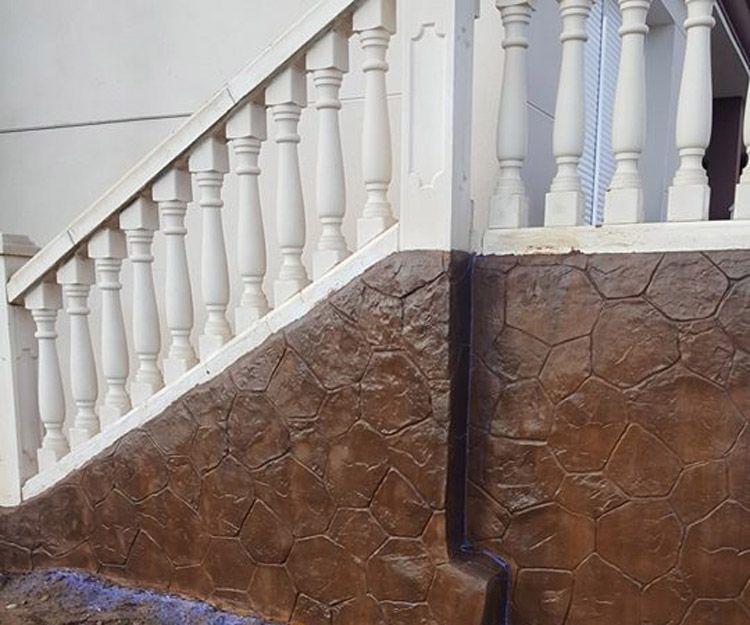 Muro de hormigón impreso en Montroy, Valencia