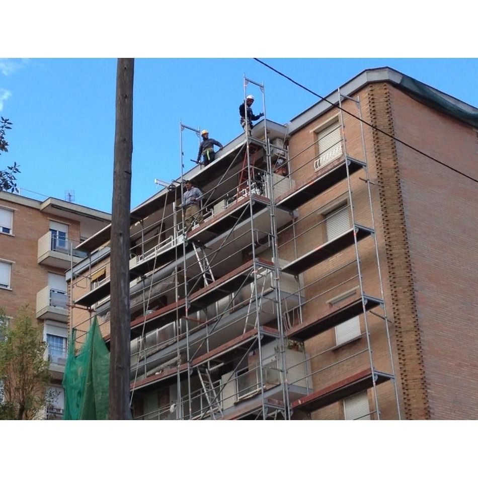 Obras: Servicios de Rehabilitació de Façanes Synera