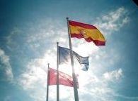 Banderas y mástiles: Visual comunicacion de Eben - Ezer