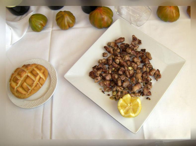 Restaurante con terraza. Carta y menú. Desayunos. Almuerzos...