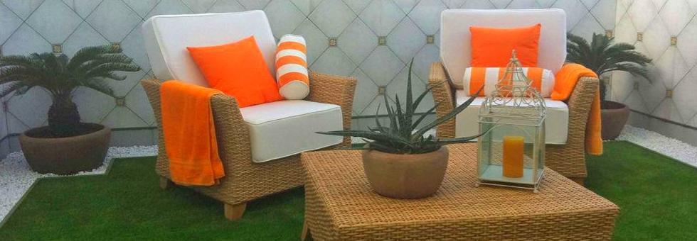 Como recrear un jardín en una terraza, con césped artificial