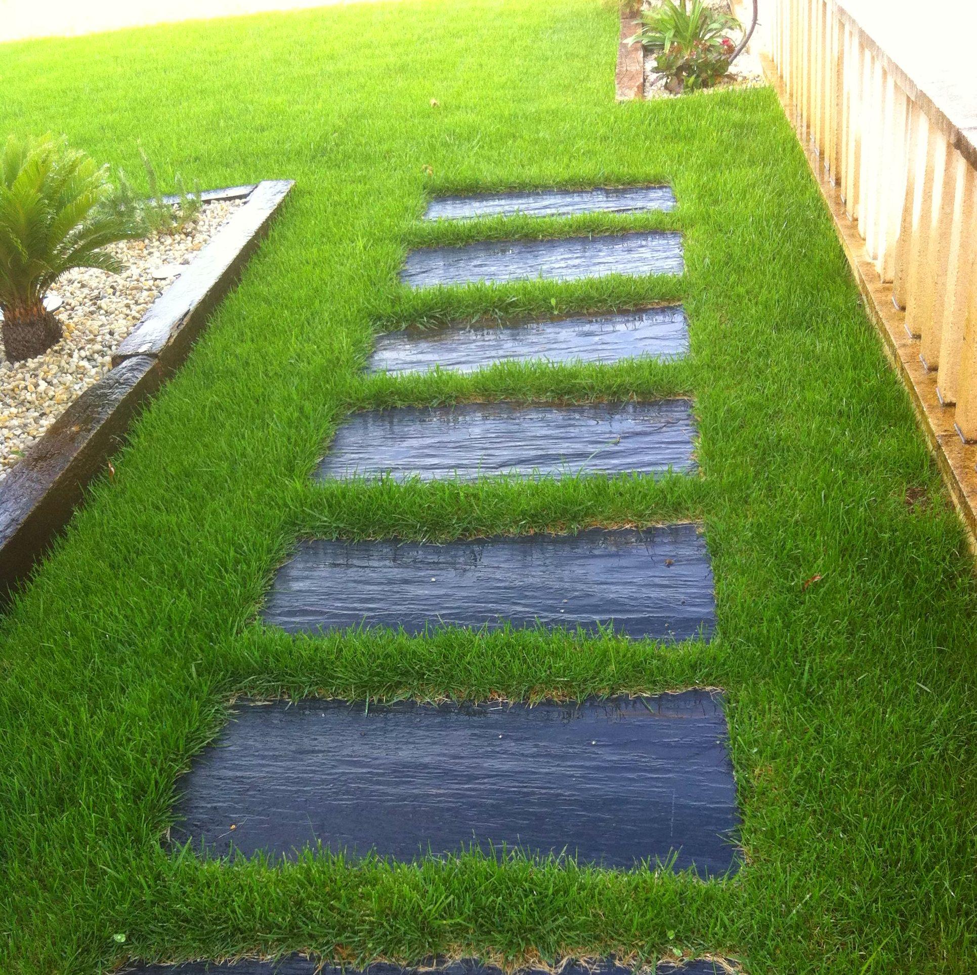 Camino de losas para jardín
