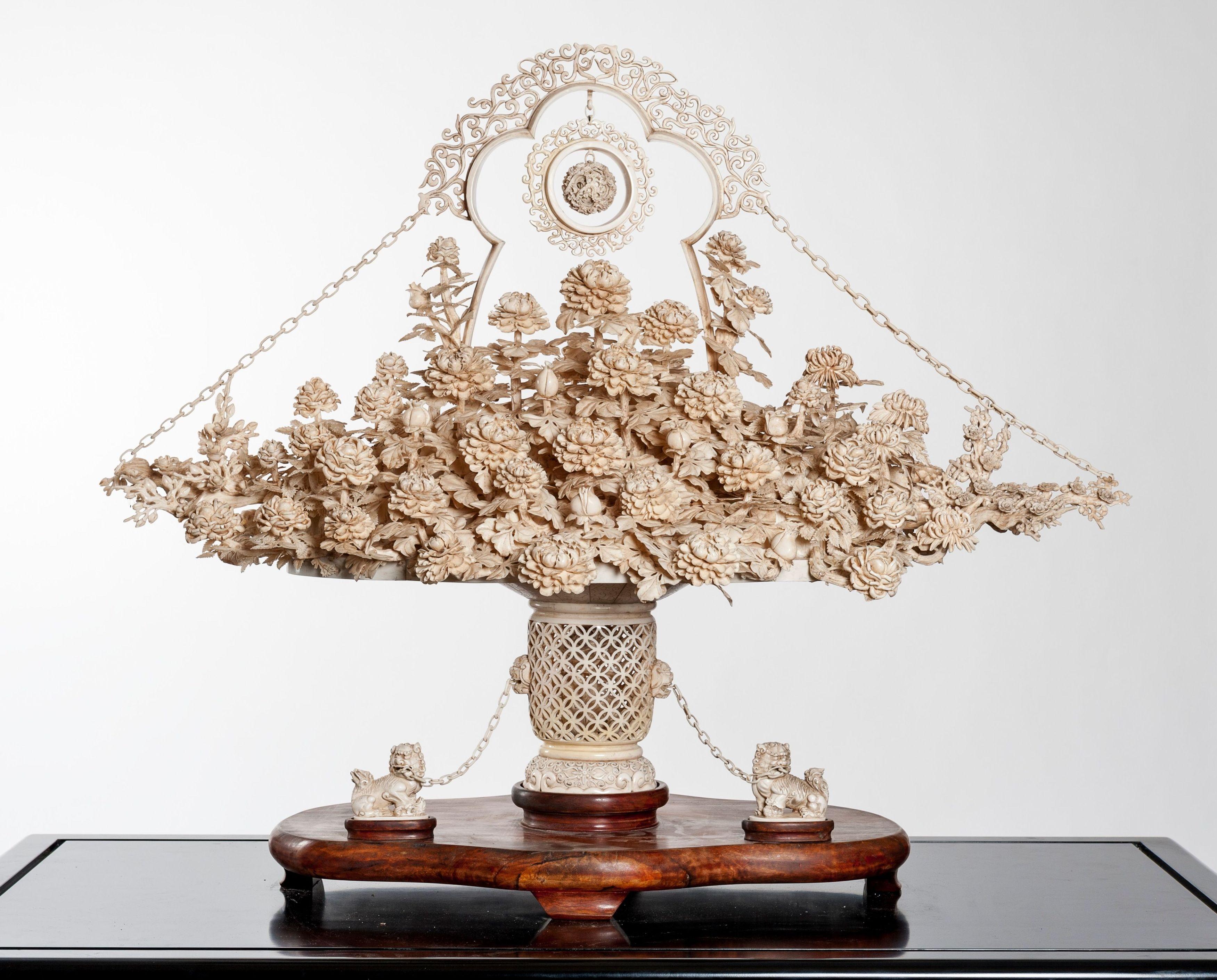 Gran cesta de flores: Catálogo de Goya Subastas