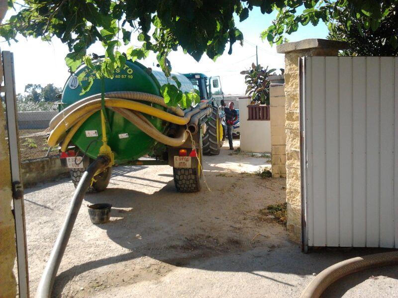 Foto 1 de Pocería en Chiclana de la Frontera | Limpieza de Pozas El Pescaíto