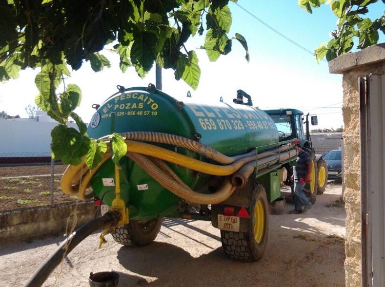 Foto 4 de Pocería en Chiclana de la Frontera | Limpieza de Pozas El Pescaíto