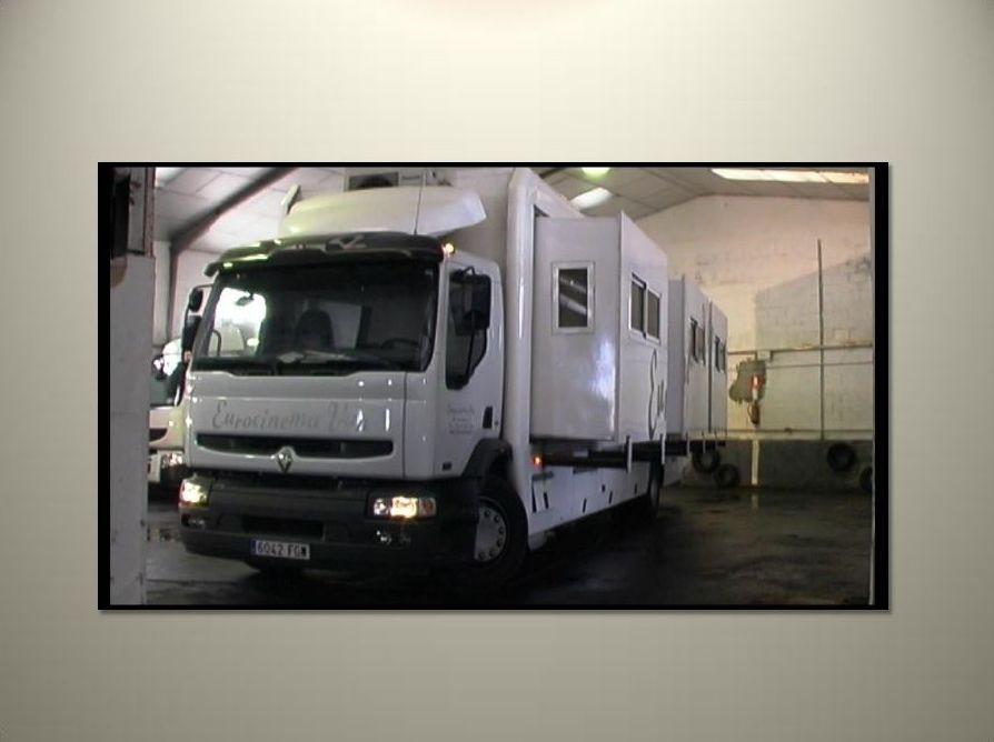 Vehículos especiales para camerinos, vestuarios. Transporte de cine.