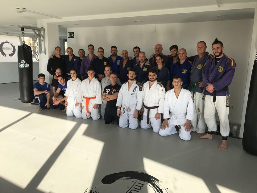 Centro de referencia para clases de defensa personal policial en Tarragona