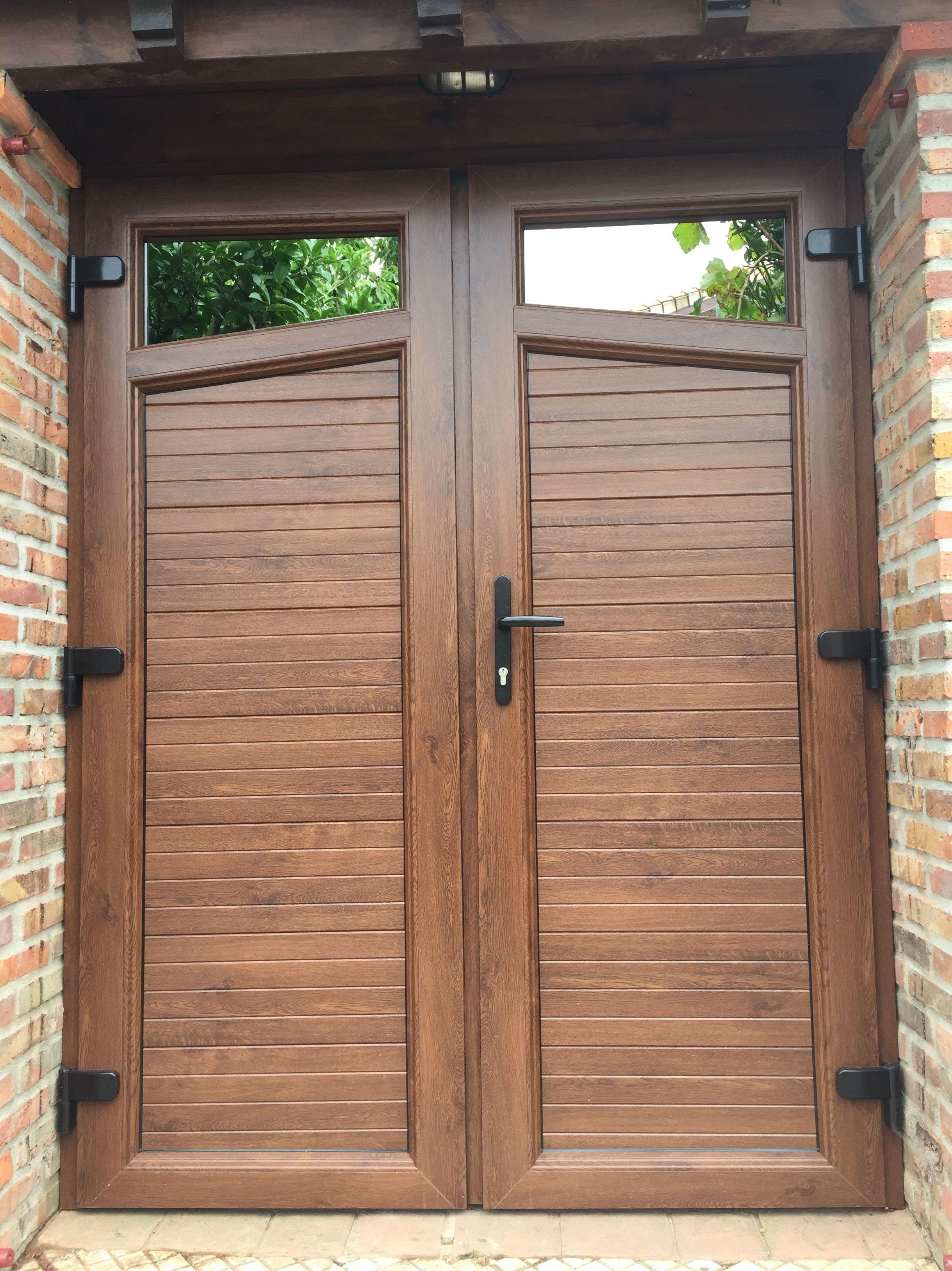 Puerta entrada a finca