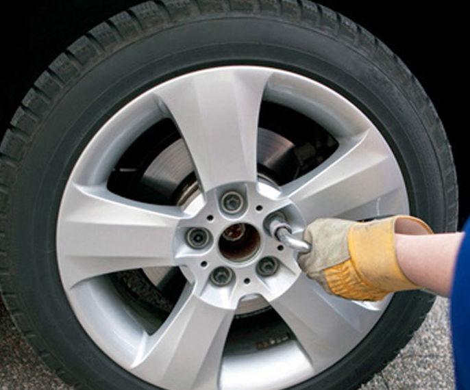 Neumáticos: Nuestros servicios de Talleres Enjocar