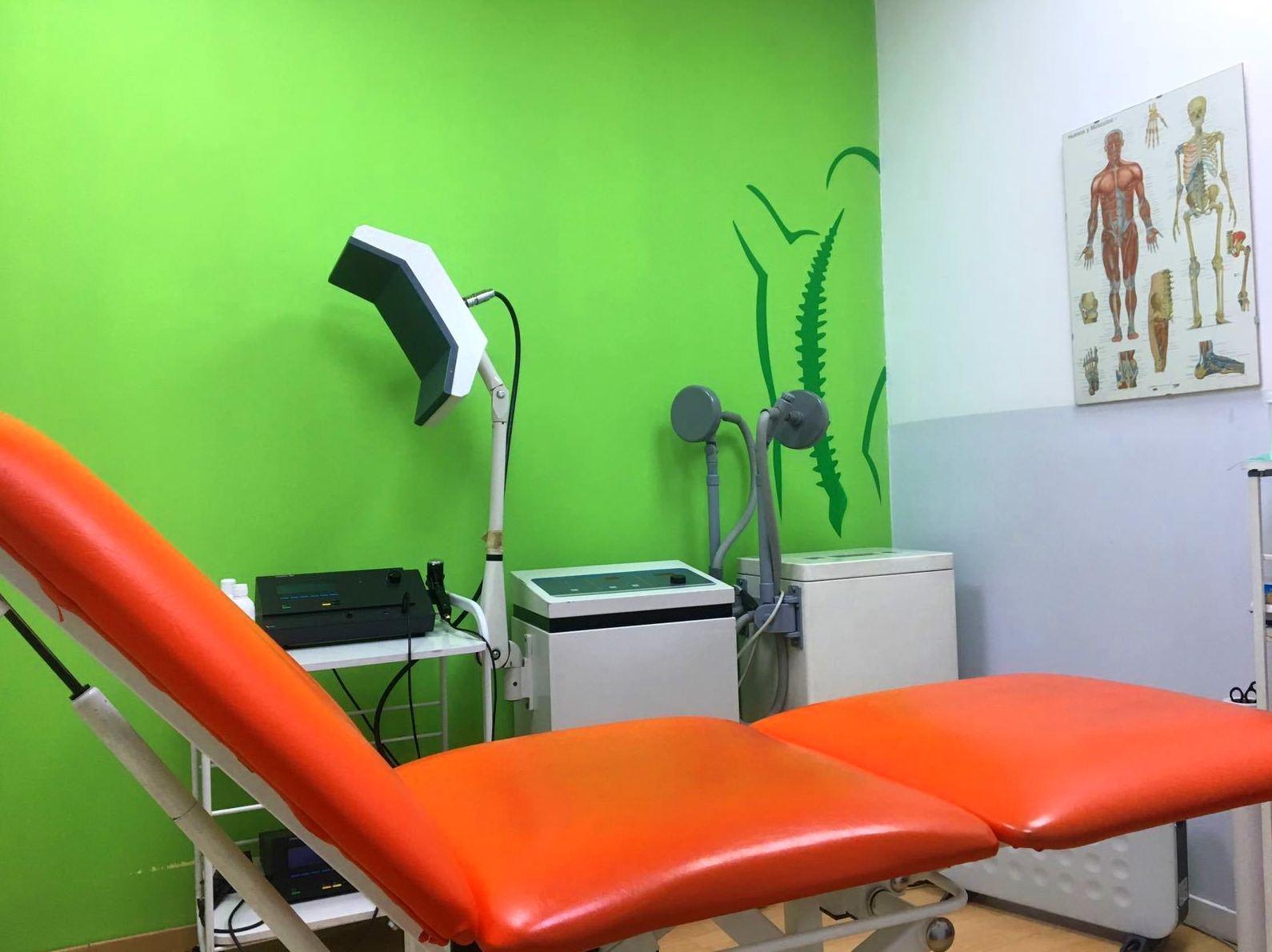 Foto 1 de Fisioterapia en Madrid | Delicias Fisioterapia