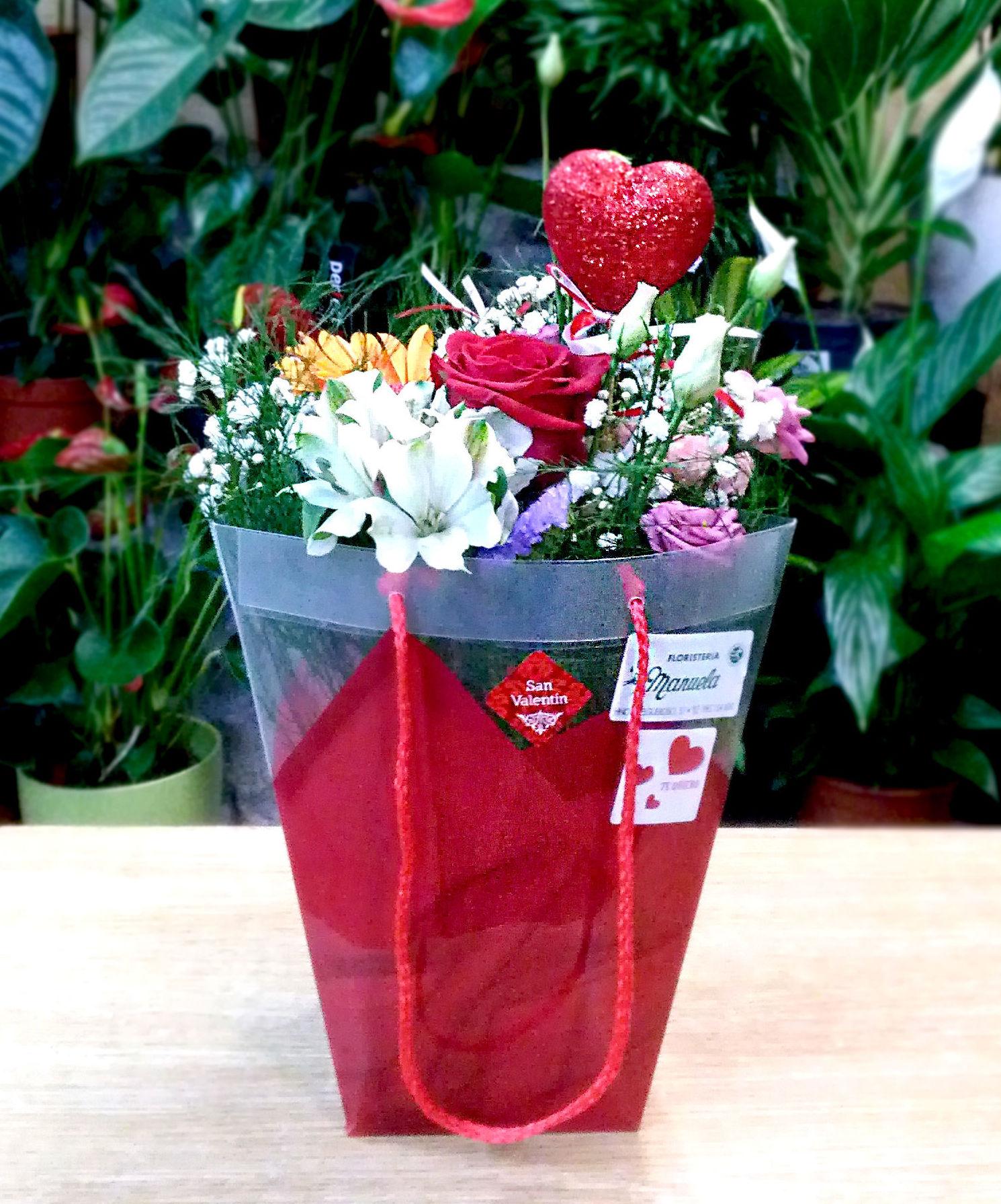 Arreglo de flor natural para San Valentin: CATALOGO de Floristería Manuela