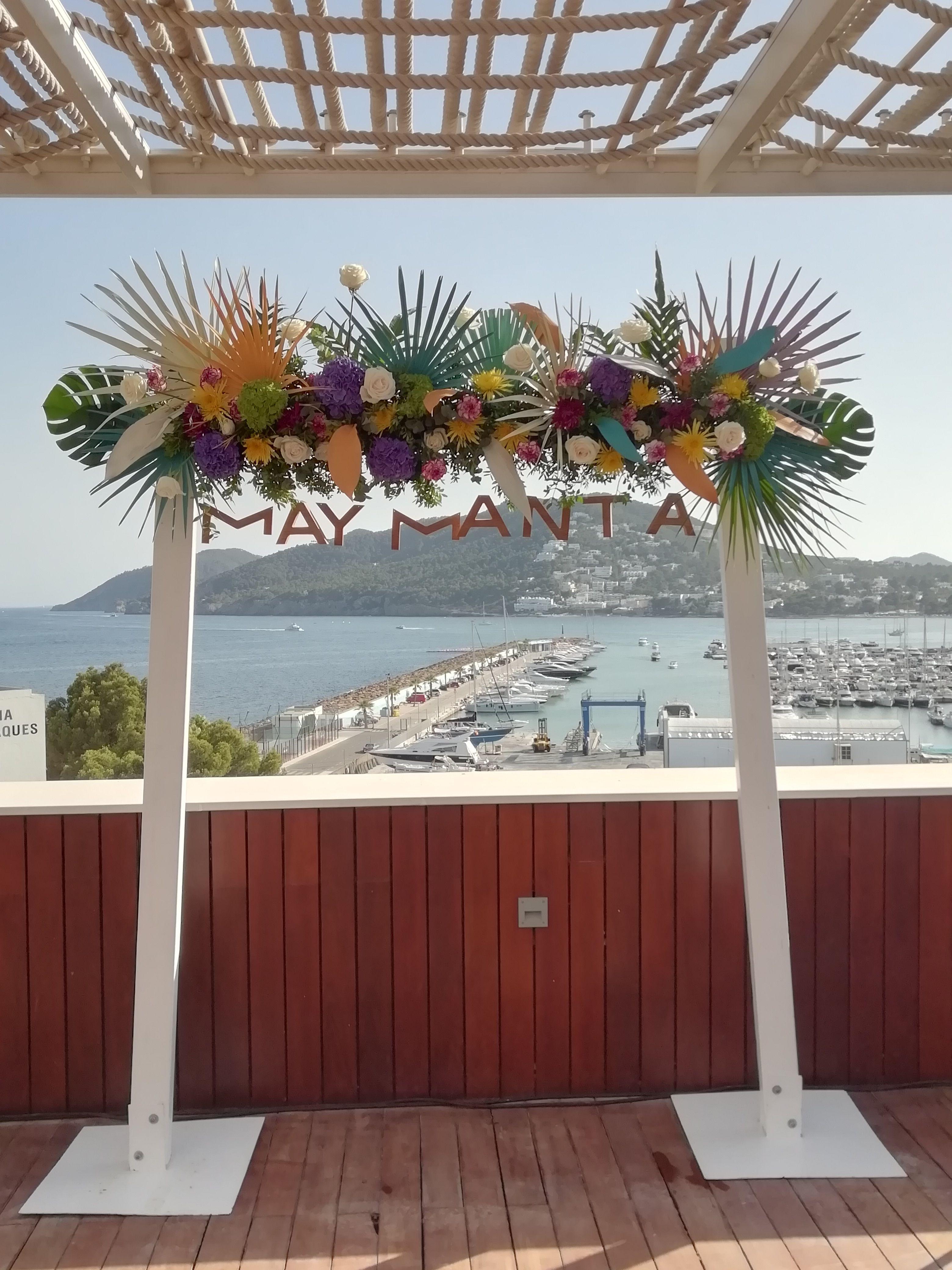 Fotocool rest  peruano Maymana en Nueva terraza hotel Aguas de Ibiza