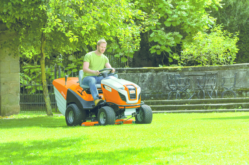 TRACTOR CORTACESPED STIHL RT 6127 Z