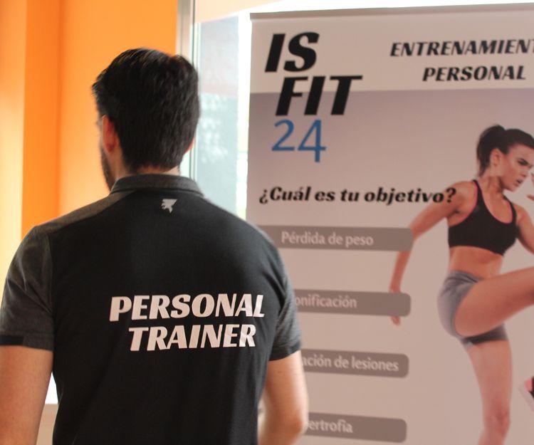 Equipo de profesionales en entrenamiento funcional