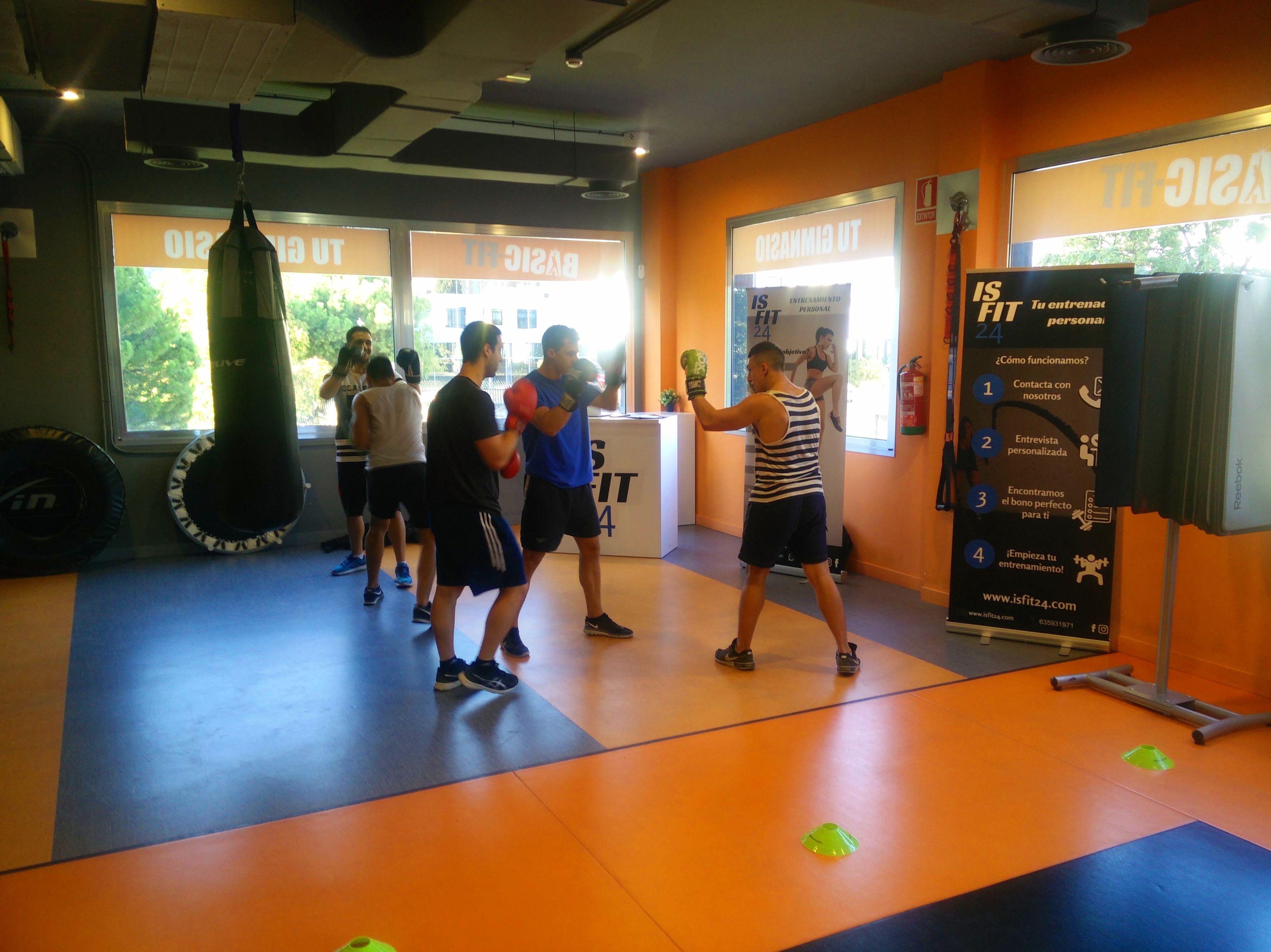 Entrenamiento en grupo de boxeo