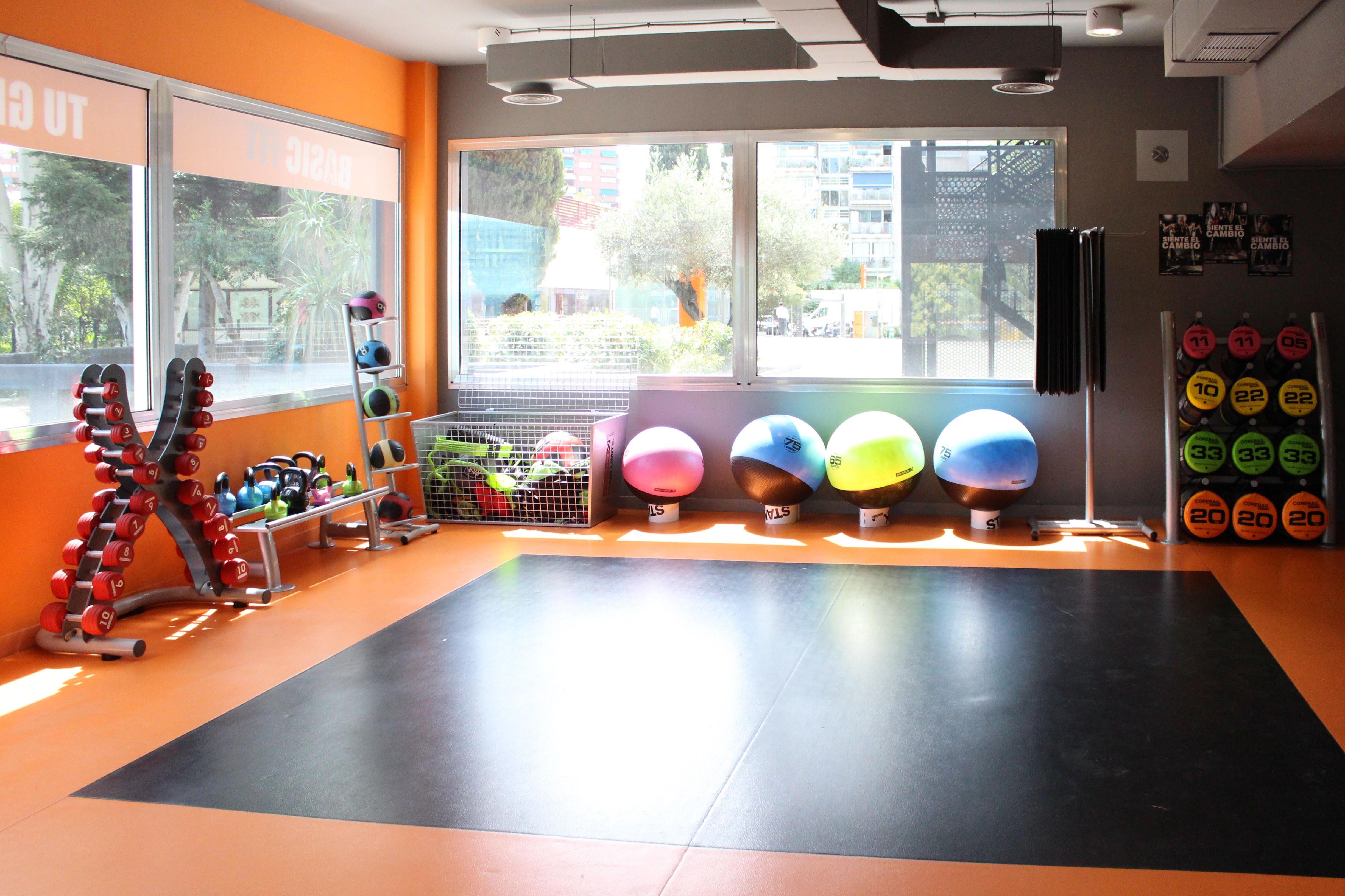 Foto 1 de Centro especializado en entrenamientos deportivos en Madrid | Isfit24