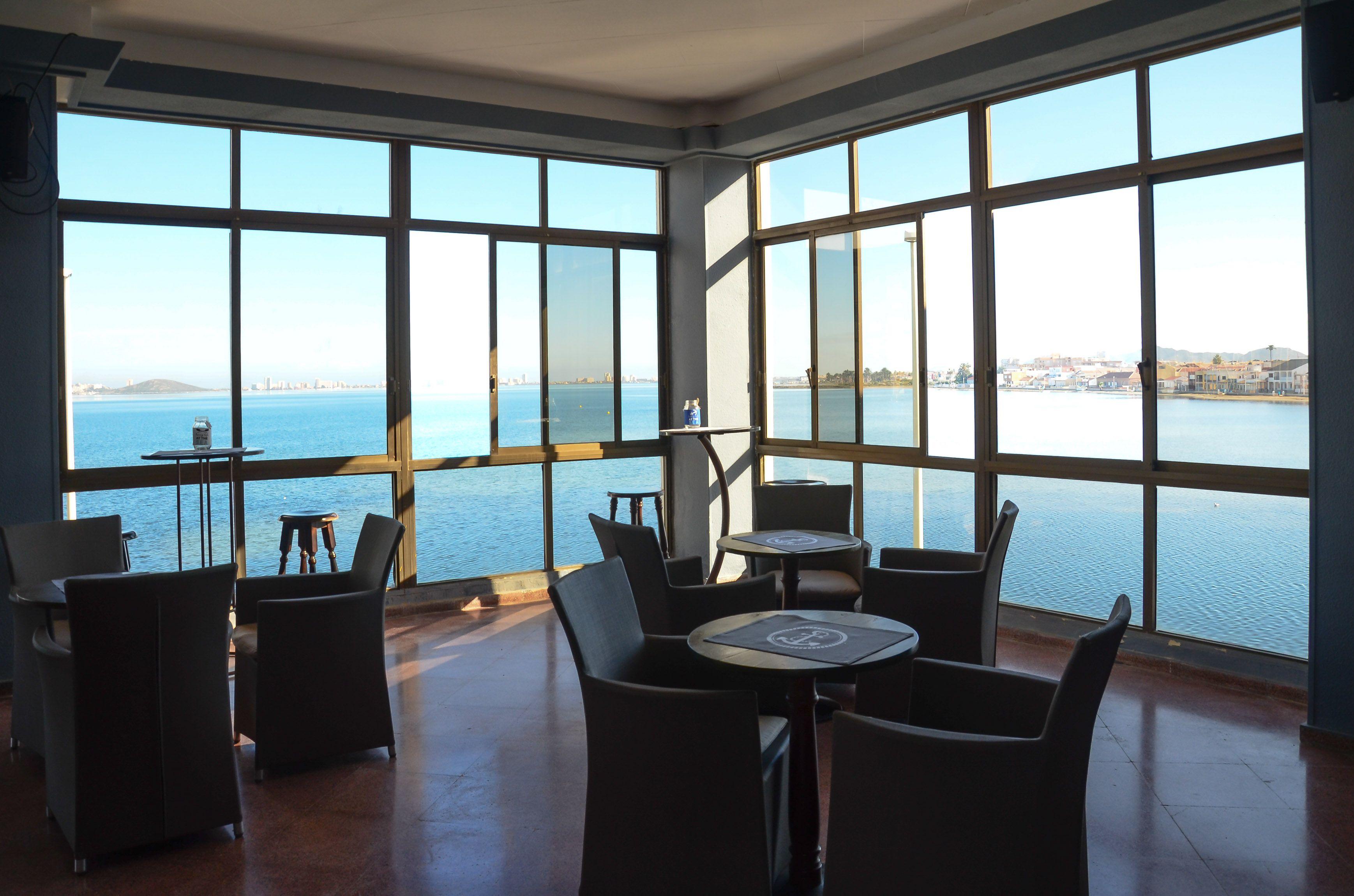 Foto 9 de International kitchen en Los Nietos | Restaurante Club Náutico Los Nietos