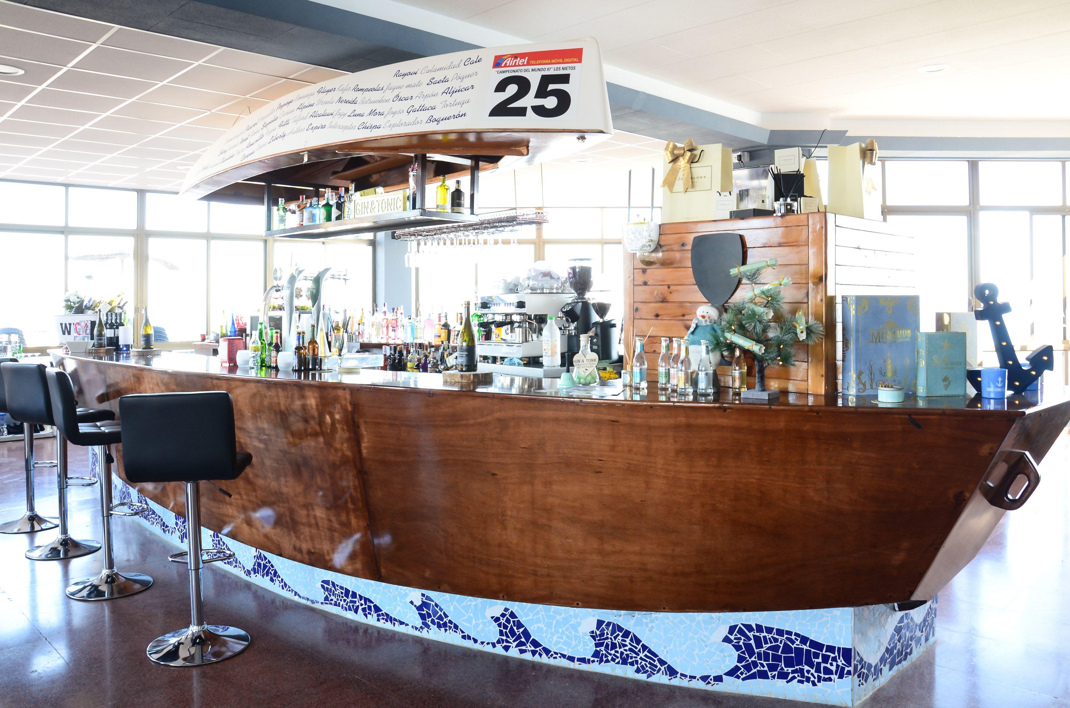 Foto 11 de International kitchen en Los Nietos | Restaurante Club Náutico Los Nietos