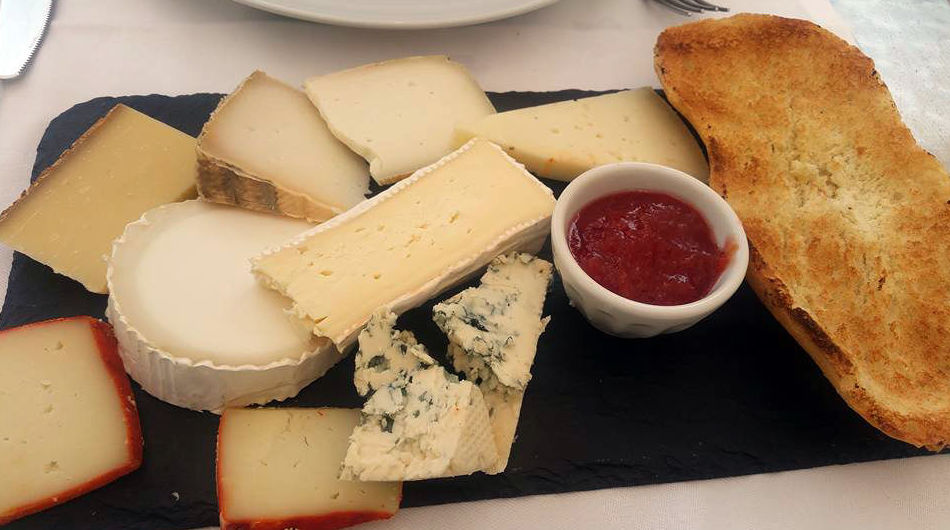 Surtido de quesos variados