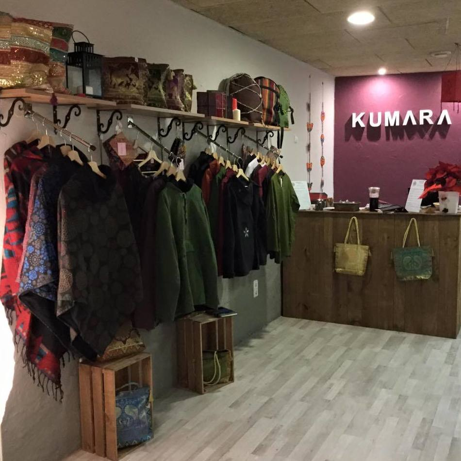 Tienda de ropa y artículos de India y Nepal en Horta, Barcelona