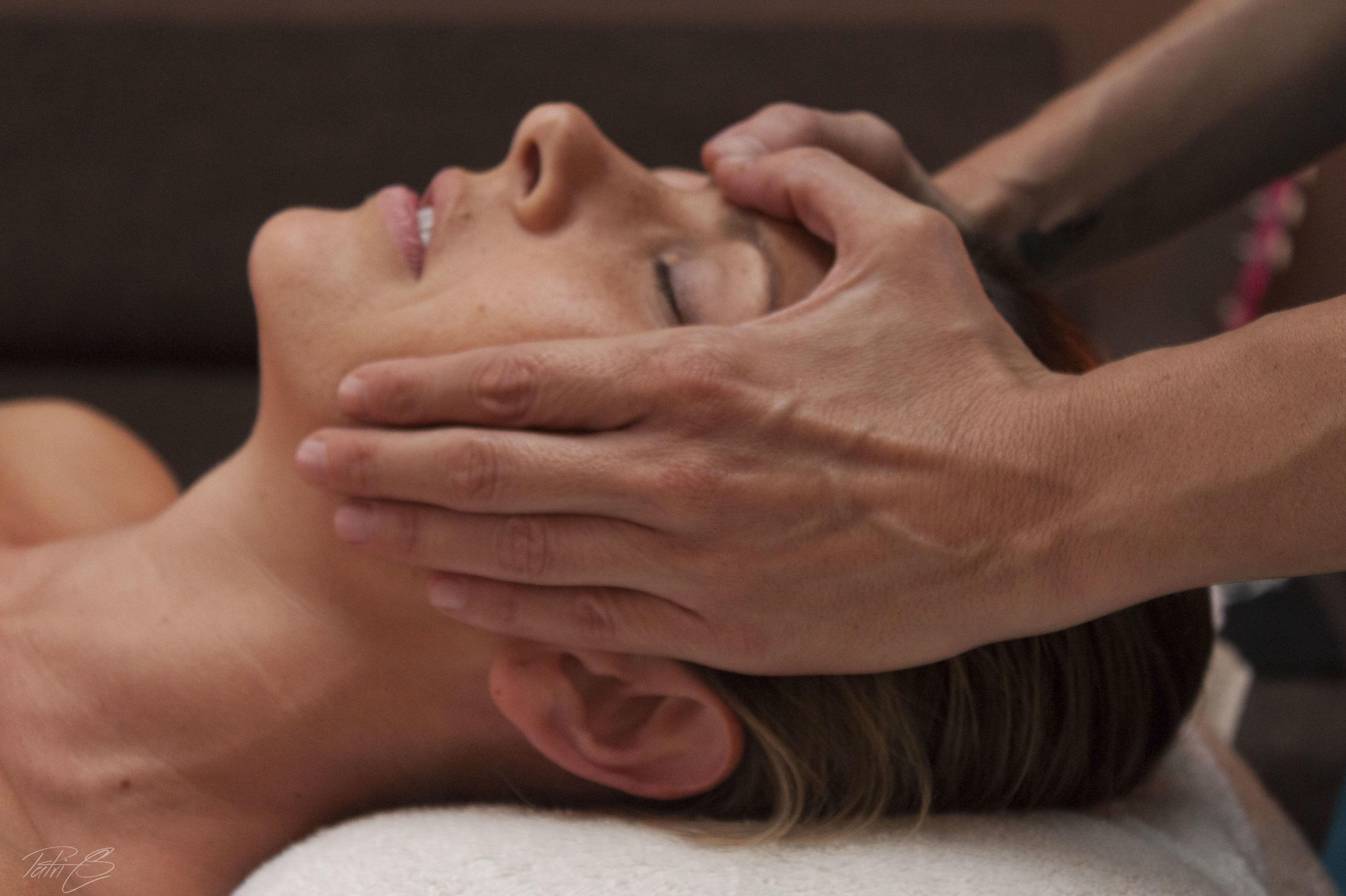 Higiene facial con aromaterapia: Terapias y actividades de Kumara Centro Holístico