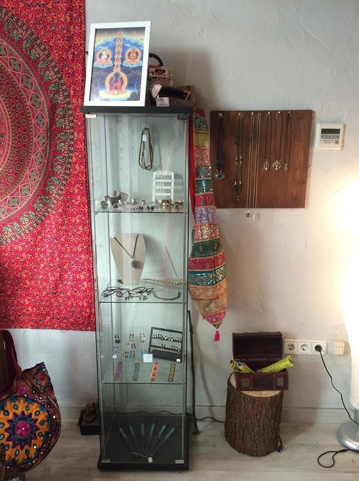 Venta de artesanía de India y Nepal en Barcelona