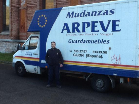 Foto 1 de Mudanzas y guardamuebles en Gijón | Arpeve